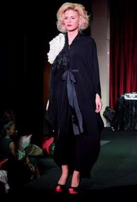 عبايات وأزياء عصرية في حفل رولز رويس 3909841775.jpg