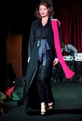 عبايات وأزياء عصرية في حفل رولز رويس 3909841776.jpg