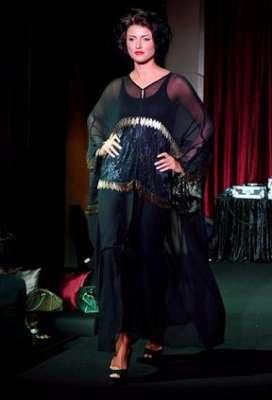 عبايات وأزياء عصرية في حفل رولز رويس 3909841777.jpg