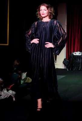 عبايات وأزياء عصرية في حفل رولز رويس 3909841779.jpg