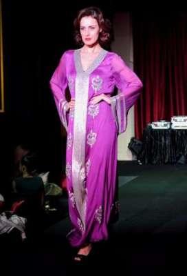 عبايات وأزياء عصرية في حفل رولز رويس 3909841780.jpg