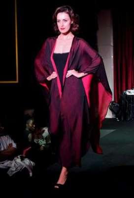 عبايات وأزياء عصرية في حفل رولز رويس 3909841783.jpg