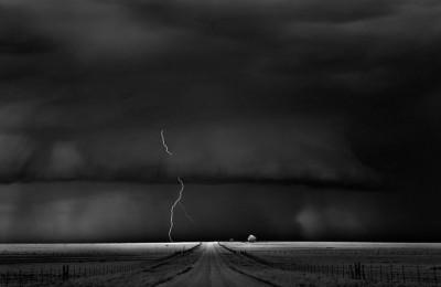 شاهد.. عاصفة خارقة للطبيعة 3909865698.jpg