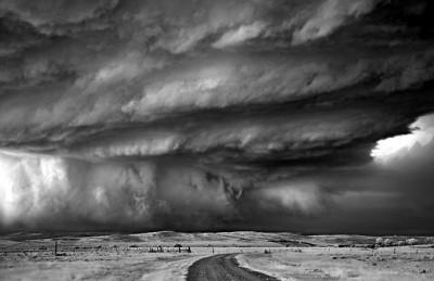 شاهد.. عاصفة خارقة للطبيعة 3909865699.jpg