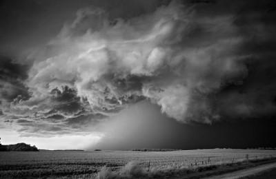 شاهد.. عاصفة خارقة للطبيعة 3909865700.jpg