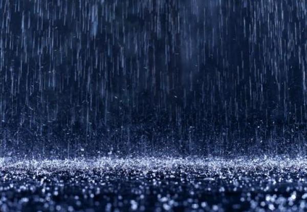 لأجمل لقطات وصور قطرات المطر تداعب الطبيعه للعام 2013 3909871018.jpg