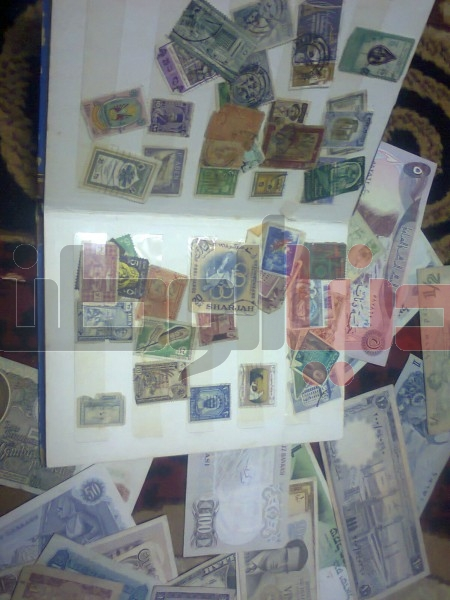 بالصور..غزّي يمتلك ورقة نقدية قديمة لكافة العالم:كل ورقة أطرفها 3909880831.jpg