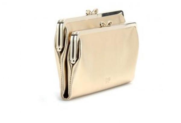 f850b946836cd ألقي نظرة على خياراتنا من الحقيبة ولا تنسي أن تخبرينا عن التصميم المفضل  لديك.