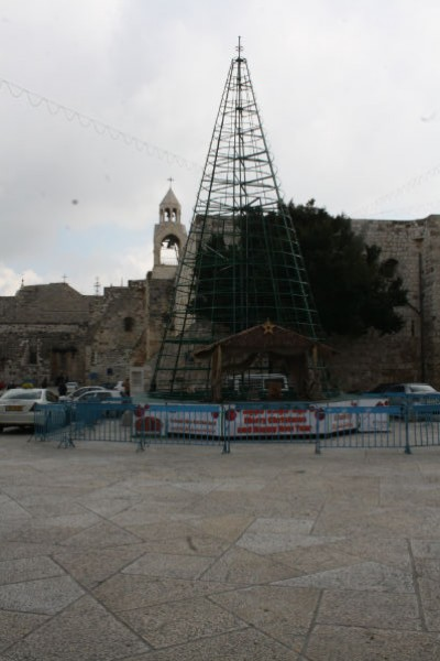 شاهد بالصور ساحة كنيسة المهد 3909882234.jpg