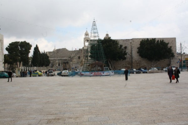 شاهد بالصور ساحة كنيسة المهد 3909882236.jpg