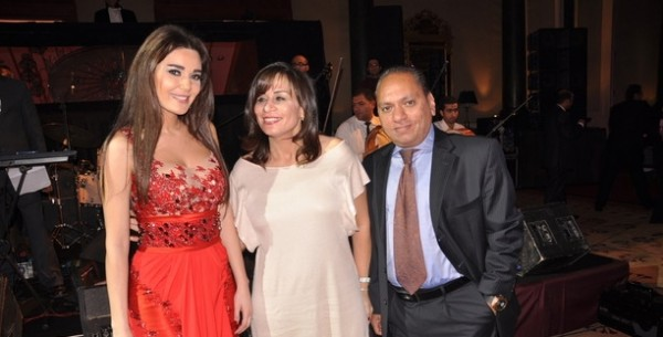 فستان سيرين عبد النور الذي أغضب المتواجدين في حفل خيري 3909888340
