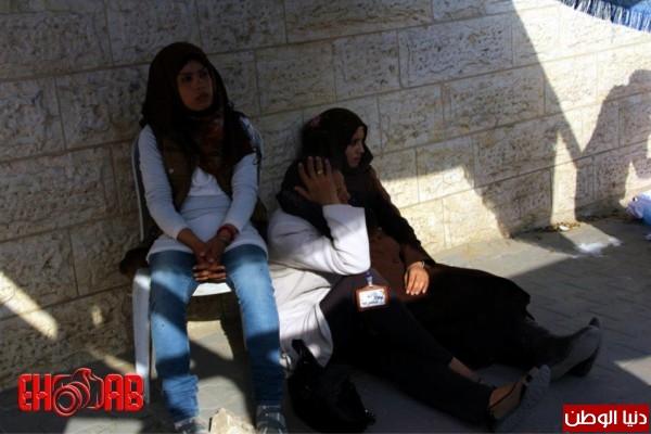 النساء بغزة يبنون خيمات التضامن الاسرى بسواعدهن شاهد الصور 3909890124.jpg