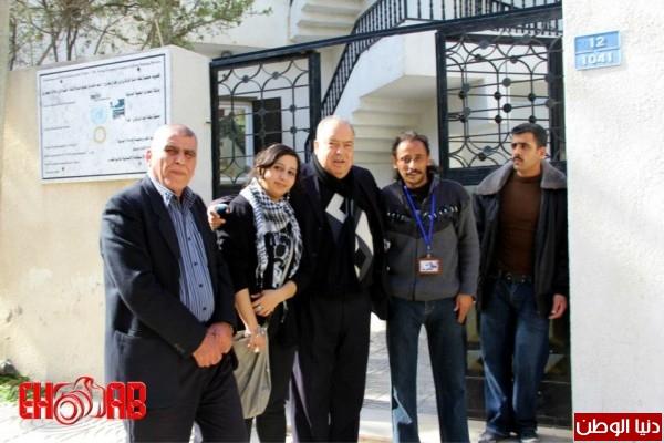 النساء بغزة يبنون خيمات التضامن الاسرى بسواعدهن شاهد الصور 3909890137.jpg