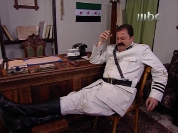 النجم السوري زهير رمضان يبيع الحلويات على بسطة في الأردن 3909890469