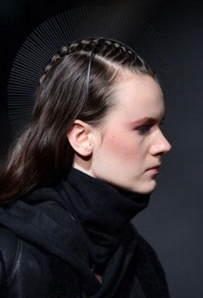 موديلات شعر متنوعة في أسبوع الموضة الباريسي