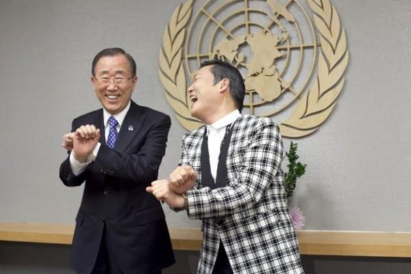 الصور الأكثر كوميدية للسياسيين العالميين 3909893990.jpg