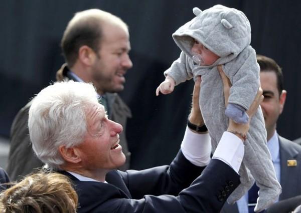 الصور الأكثر كوميدية للسياسيين العالميين 3909893999.jpg