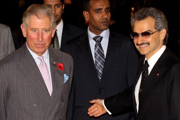 بالصور: تعرّف الحياة المذهلة التي يعيشها الأمير الوليد طلال 3909895632.jpg