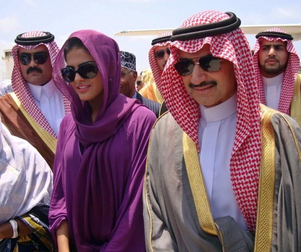 بالصور: تعرّف الحياة المذهلة التي يعيشها الأمير الوليد طلال 3909895637.jpg