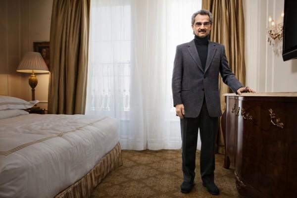 بالصور: تعرّف الحياة المذهلة التي يعيشها الأمير الوليد طلال 3909895642.jpg
