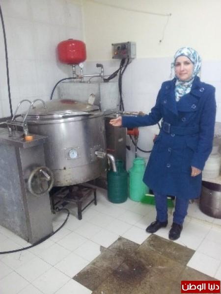 بالصور:صناعة الجبنة الايطالية بأيادي فلسطينية لتنافس الأجبان الاسرائيلية 3909897291.jpg