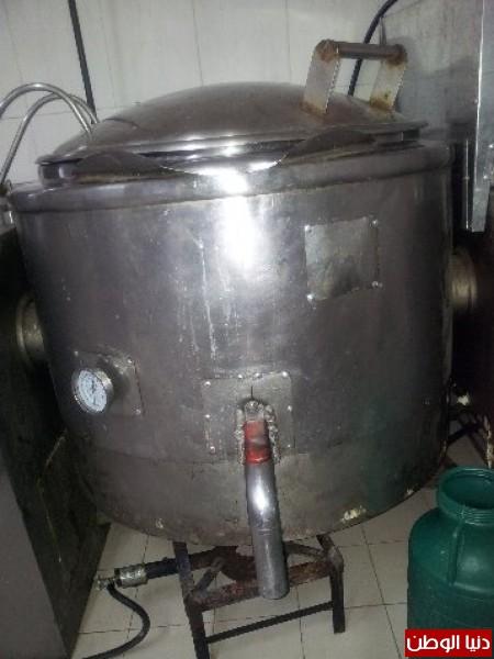 بالصور:صناعة الجبنة الايطالية بأيادي فلسطينية لتنافس الأجبان الاسرائيلية 3909897292.jpg