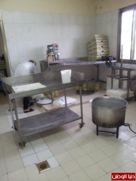 بالصور:صناعة الجبنة الايطالية بأيادي فلسطينية لتنافس الأجبان الاسرائيلية 3909897298.jpg