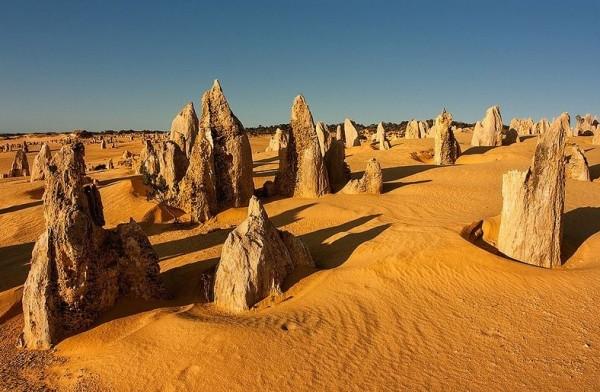 الصحراء الأعمدة الحجرية الجيرية حديقة نامبونج الوطنية استراليا 3909899840.jpg