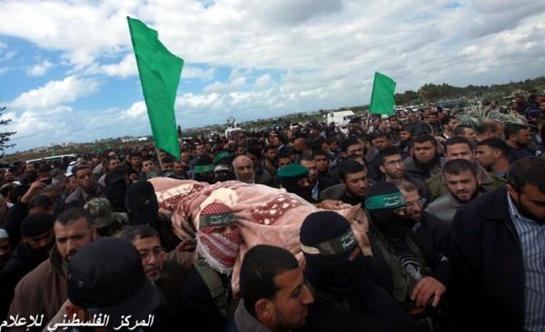 """جنازة """"خنساء فلسطين""""..فيديو لرثائها وشاب 3909900962.jpg"""