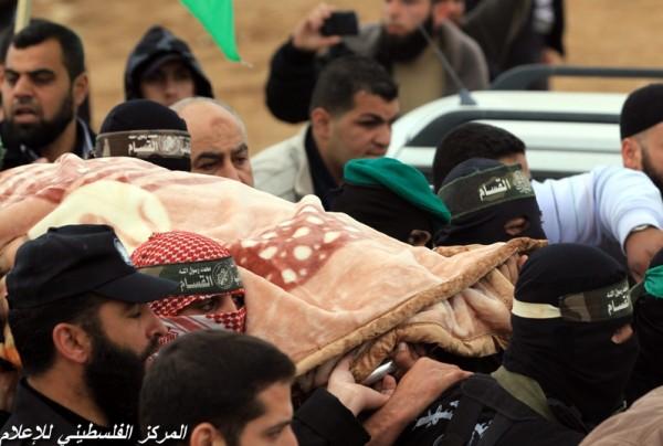 """جنازة """"خنساء فلسطين""""..فيديو لرثائها وشاب 3909900964.jpg"""