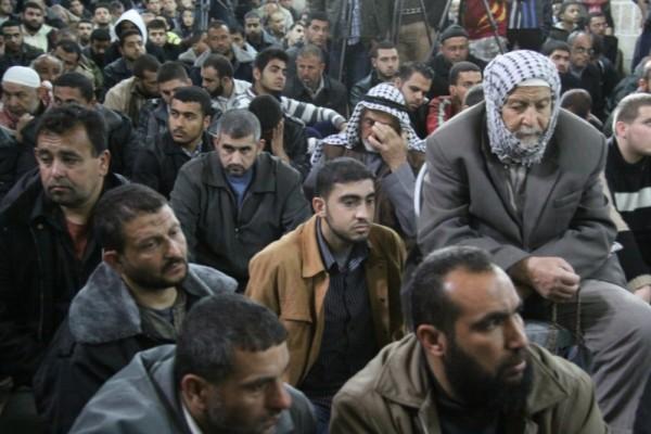 """جنازة """"خنساء فلسطين""""..فيديو لرثائها وشاب 3909900980.jpg"""