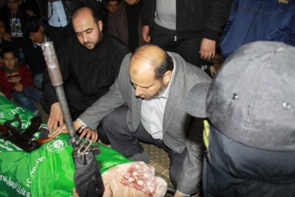 """جنازة """"خنساء فلسطين""""..فيديو لرثائها وشاب 3909900985.jpg"""