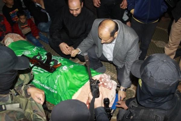 """جنازة """"خنساء فلسطين""""..فيديو لرثائها وشاب 3909900986.jpg"""