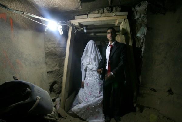 يتزوج داخل انفاق مدينة 3909903174.jpg