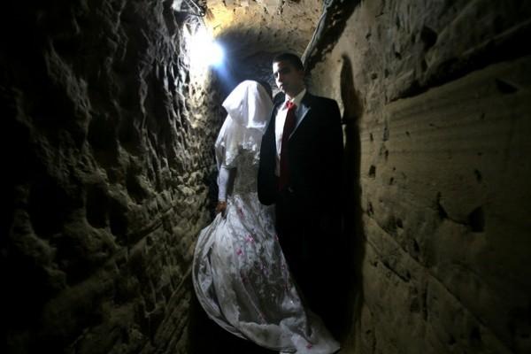 يتزوج داخل انفاق مدينة 3909903178.jpg