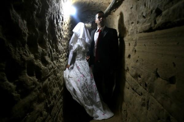 يتزوج داخل انفاق مدينة 3909903190.jpg