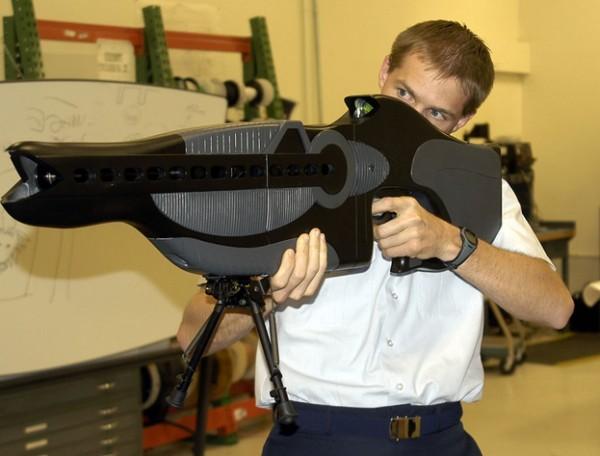 أسلحة حقيقية تعتقد انها خيالية