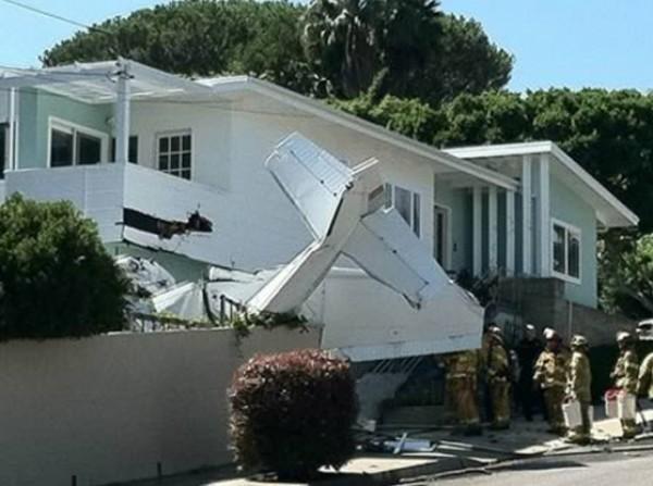 سابق إنذار تحطمت منازلهم 3909913701.jpg