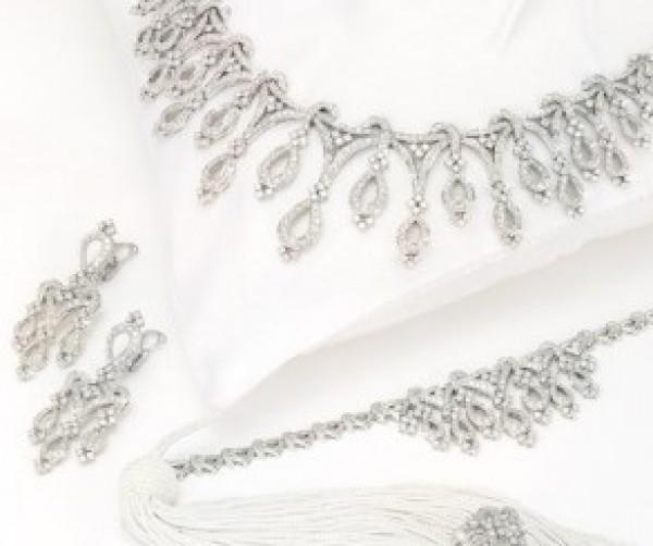 اكسسوارت لفستانك الأبيض الزفاف 3909916198.jpg