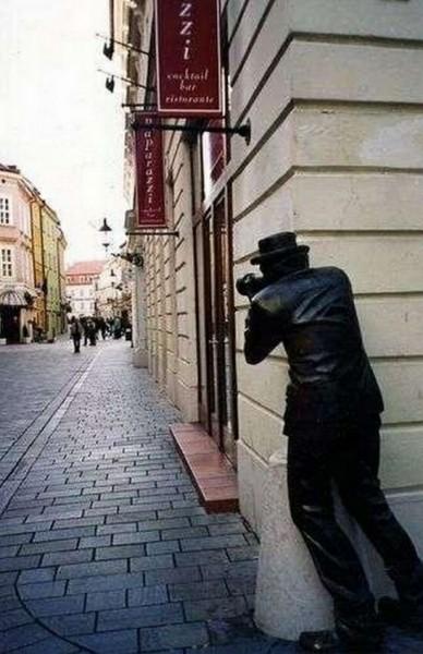 تماثيل غريبة وعجيبة ورائعة 3909917472.jpg