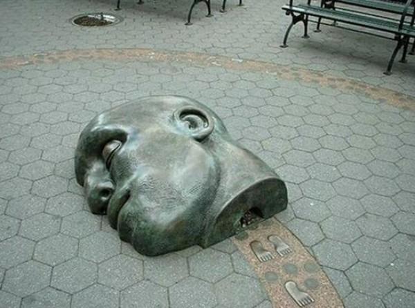 تماثيل غريبة وعجيبة ورائعة 3909917478.jpg