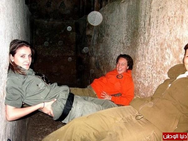 مجندات الجيش الإسرائيلي حدود قطاع 3909928099.jpg