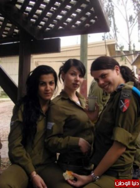 مجندات الجيش الإسرائيلي حدود قطاع 3909928121.jpg