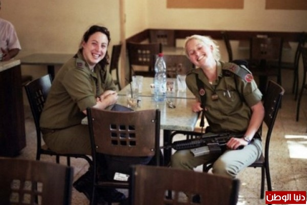 مجندات الجيش الإسرائيلي حدود قطاع 3909928122.jpg