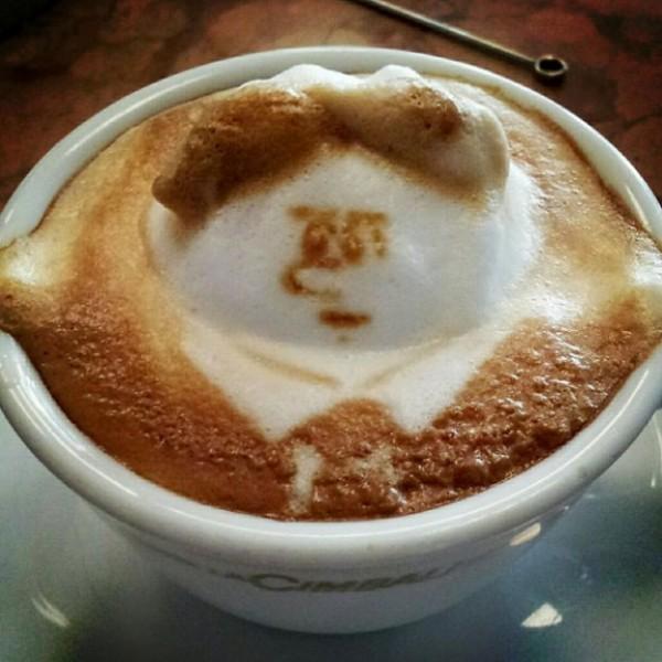 لوحات فنية برغوة القهوة 3909930795.jpg
