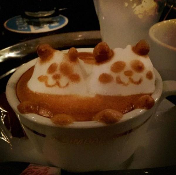 أعمال فنية مدهشة برغوة القهوة