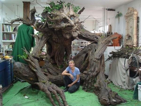 جسدت والدها المتوفى شجرة