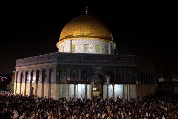 ليله القدر المسجد الاقصي الملايين 3909970198.jpg