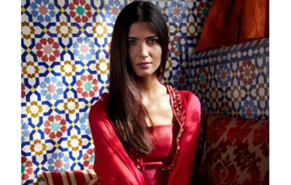 المكياج التركي لمظهر عصري يواكب الموضة 3909984669.jpg