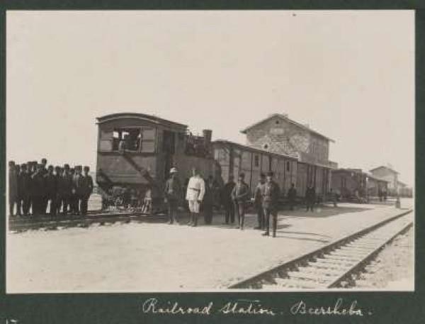 الذاكرة..شاهد بالصور خطوط السكك الحديد 3909986191.jpg